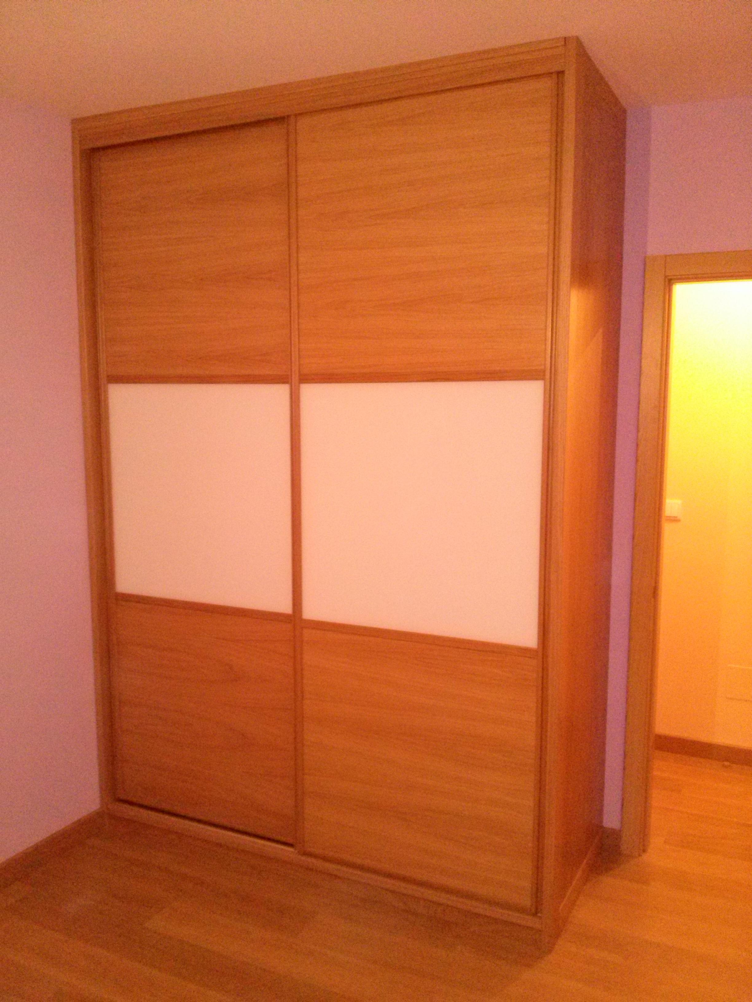 Carpinteria olcar fotos armarios empotrados cartes - Puertas para armario empotrado ...