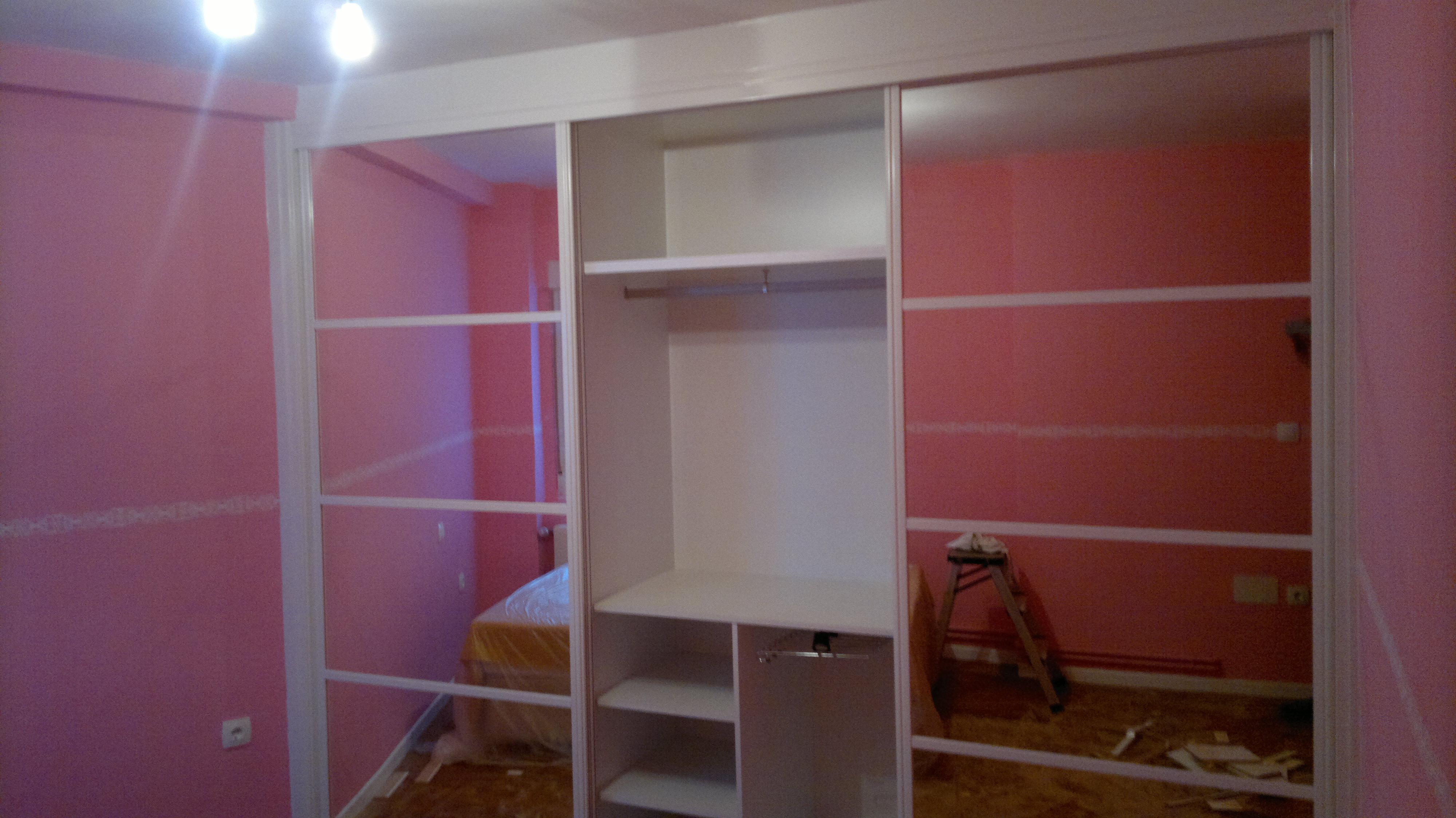Carpinteria olcar fotos armarios empotrados cartes - Puertas de espejo ...