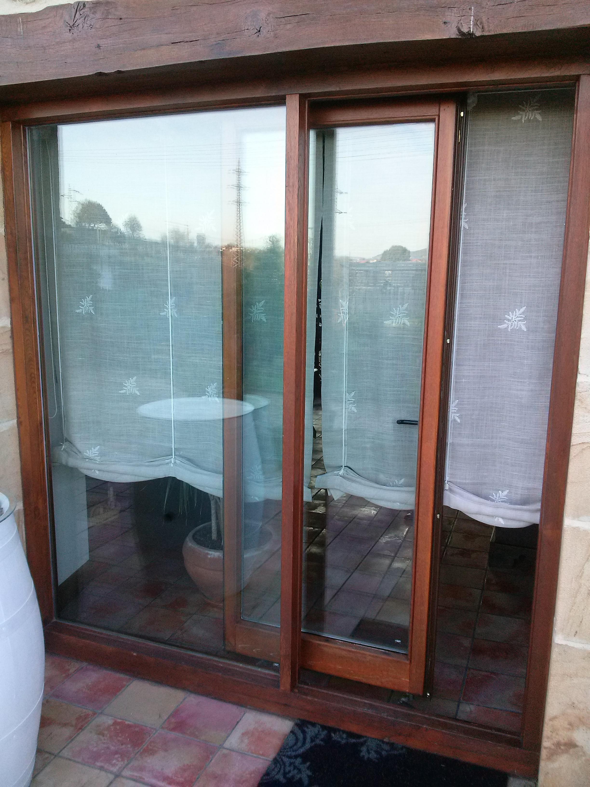 Carpinteria muebles a medida armario empotrado escalera - Como hacer puertas de armario ...